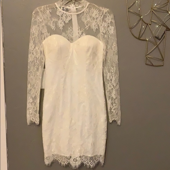 bebe Dresses & Skirts - Bebe scallop lace dress